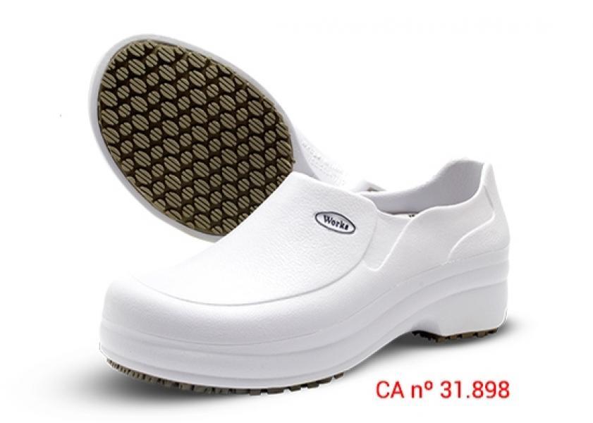 ea9abcd281cf4 Sapato Antiderrapante Soft Med Works - Branco   Preto - PROMAX EPI ...